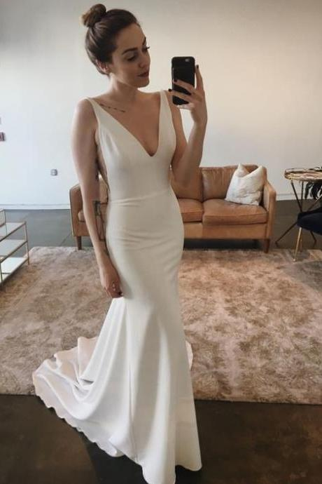 Ivory Sexy Deep V Neck Formal Evening Gown Sleeveless Mermaid Prom Dress With Staps